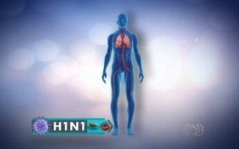 Mulher com suspeita de H1N1 luta por vaga de UTI em Itumbiara - De acordo com a família, o caso dela é grave. A direção do hospital alegou que ela teve de ser transferida para um quarto porque precisa ficar isolada.