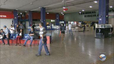 Terminal Rodoviário de Ribeirão Preto espera 40 mil usuários no feriado de Páscoa - Fluxo de embarques e desembarques é maior a partir desta quinta-feira (24).