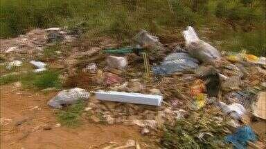 Moradores reclamam de lixo acumulado em condomínio de São Sebastião do Paraíso (MG) - Moradores reclamam de lixo acumulado em condomínio de São Sebastião do Paraíso (MG)