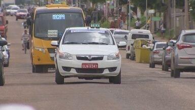 Vistoria anual dos táxis em Santana busca garantir mais segurança ao passageiro - Termina na semana que vem o prazo para a vistoria anual obrigatória dos táxis em Santana. O procedimento garante mais segurança ao passageiro.