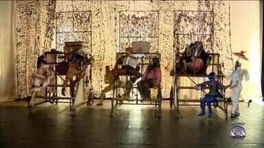 """Grupo Tholl se apresenta com """"Cirquin"""" no Theatro São Pedro em Porto Alegre - Espetáculo está em cartaz neste fim de semana na capital."""