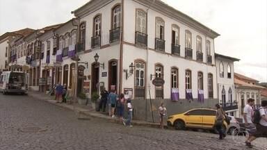 Semana Santa é oportunidade para movimentar a economia de cidades históricas - Tradições religiosas atraíram turistas a Ouro Preto, na Região Central de MG.