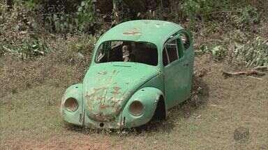 Carros abandonados preocupam moradores de Pouso Alegre e outras cidades do Sul de Minas - Carros abandonados preocupam moradores de Pouso Alegre e outras cidades do Sul de Minas