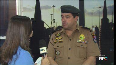 PM faz bloqueios e blitz de trânsito em várias regiões de Cascavel - O trabalho é para conter e prender os envolvidos nos incêndios a quatro ônibus e um carro na segunda-feira em Cascavel