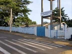 Promotoria pede informações sobre confronto em escola estadual - Professora também relata agressão sofrida.