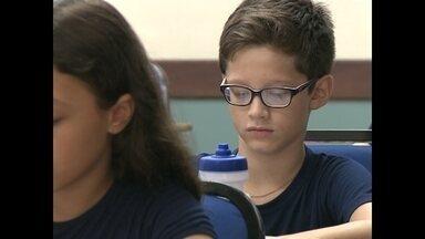 Uma em cada dez crianças tem alguma dificuldade para enxergar - Reportagem mostra dicas de como identificar que a criança está com dificuldade para enxergar.
