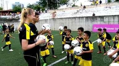 Borussia Dortumund dá aulas para categorias de base em São Paulo - Projeto contou com ex-jogador do time alemão