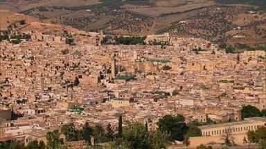 Globo Repórter - Marrocos, 08/04/2016 - Globo Repórter viaja pelo reino encantado do Marrocos. A repórter Glória Maria mostra a magia do país das cores e dos contrastes.