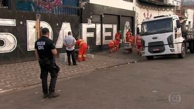 Polícia faz operação contra a violência das torcidas organizadas - E a noite vai começando com uma das maiores torcidas do Corinthians, a Gaviões da Fiel, tomando conta de ruas na região do Anhangabaú, no Centro da capital. A Gaviões alega que é vítima de perseguição política e defende medidas preventivas.