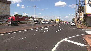 Trecho em obras da avenida Antônio Volpato em Sarandi é liberado - A pista, que antes era mão-dupla, agora tem sentido único.