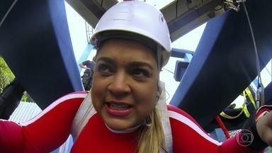 Preta Gil chora ao ficar suspensa a 50 metros de altura em desafio do 'Caldeirão' - Rodrigo Godoy, marido do Preta, decide substituir a esposa na nova temporada do quadro 'Os Pendurados'