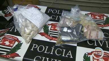 Polícia prende suspeito de ser chefe do tráfico na zona sul - Homem foi flagrado em São José em carro com placa de Salvador.