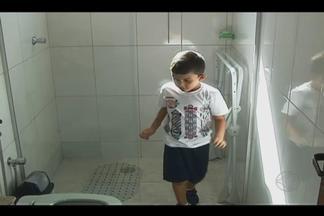 Manutenção em vidros de box de banheiro deve ser feita a cada 6 meses, dizem especialistas - Motivo é para evitar desgaste da estrutura e, consequentemente, acidentes.