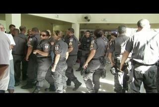 Polícia prende cinco suspeitos de participação na morte de PM em Macaé, RJ - Corpo foi enterrado nesta quarta-feira (20).