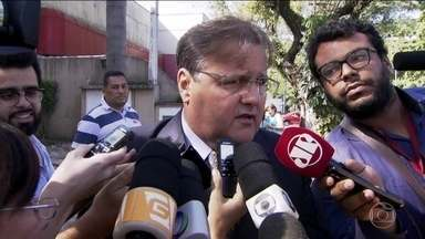Temer se reúne em São Paulo com Geddel e Delfim - Geddel diz que há pressa para buscar nomes para equipe econômica. 'O Brasil vai encontrar seu caminho, vai voltar a crescer', disse Delfim.