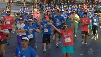 Corrida Tiradentes reúne 5 mil pessoas em Manaus - Prova disputada nos percursos de 5km e 10km ocorreu nesta quinta, na Ponta Negra.