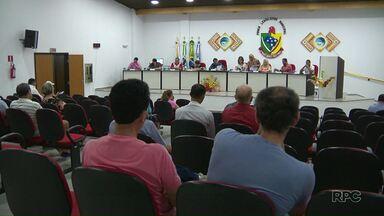 Vereadores presos em Itaipulândia devem deixar a cadeira amanhã. - Eles poderão ser reconduzidos ao cargo já na segunda feira.