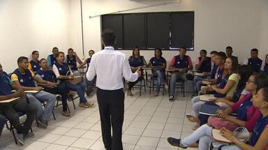 Emprego: programa Jovem Aprendiz pode ser a porta de entrada no mercado de trabalho - Confira as vagas oferecidas no CIEE nesta terça (27). Veja ainda que o órgão também oferece palestra gratuita para empresários.