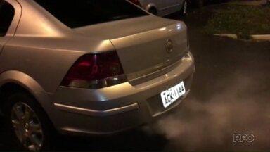 Motorista usava dispositivo de fumaça para fugir da polícia - Um carregador com munição foi encontrado no carro