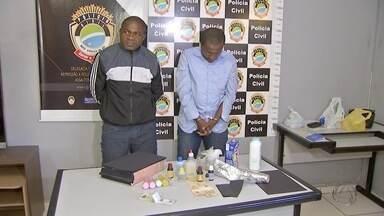 Dois africanos são presos suspeitos de aplicar golpes em vítimas que vendiam imóveis em MS - Essa modalidade de estelionato foi registrada pela primeira vez em Mato Grosso do Sul.