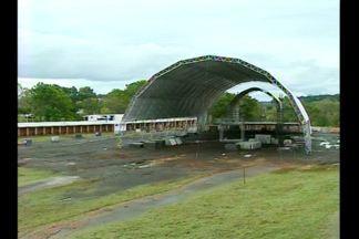 Preparativos intensos para a Fenasoja em Santa Rosa, RS - O parque da Feira recebe os últimos retoques para o evento que começa na sexta-feira, dia 29/04.