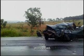 Acidente deixa feridos na BR-262 em Bom Despacho - Colisão aconteceu na manhã desta quarta-feira (27).Três veículos se envolverão no acidente e três pessoas ficaram feridas.