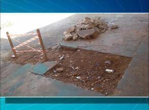 Telespectadora reclama de obras inacabadas de esgoto na 504 sul - Telespectadora reclama de obras inacabadas de esgoto na 504 sul