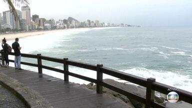Veja como fica o tempo no Rio nesta sexta-feira (29) - Há a possibilidade de chuva fraca. A previsão da Marinha é de ressaca até o sábado (30) em toda a orla Fluminense, com ondas de até 2,5 m.