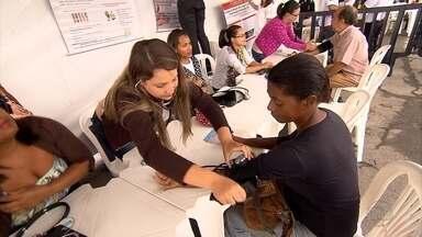 Moradores de Betim, na Grande BH, aproveitam o sábado para cuidar da saúde - As atividades fazem parte do projeto Sesi Saúde Total. Ele tem apoio da TV Globo Minas.