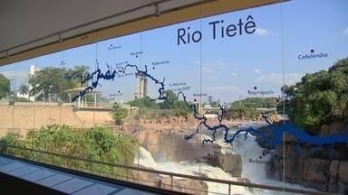 A importância do Rio Tietê! - No De Ponta a Ponta sobre a água, você vai conhecer um pouco mais sobre a origem do Rio Tietê, que passa por várias cidades do interior de São Paulo. Em trechos como Araçatuba, a água não é poluída e abastece parte da população.