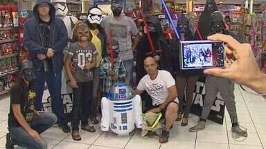 Fãs da série Star Wars se reúnem em São Carlos para o comemorar o dia dedicado a saga - Muitos fãs não eram nem nascidos quando os primeiros filmes foram lançados.