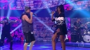 Biel canta 'Melhor assim' no palco do Caldeirão - A plateia se emociona com o hit