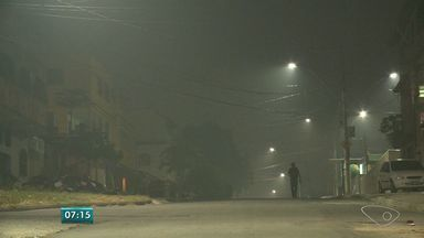 Moradores da Serra, ES, sofrem com problemas causados pela fumaça - Suspeita é de que incêndio na área de turfa tenha voltado.