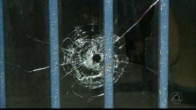 Tentativa de assalto a agência dos Correios termina com bandido morto - Polícia ainda está em busca de outros suspeitos.