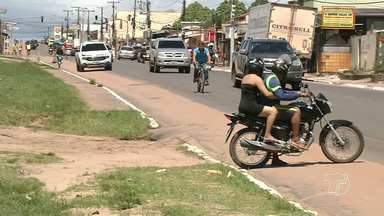 Falta de sinalização na ciclofaixa da Av. Sérgio Henn preocupa ciclistas - Via está sem sinalização nas áreas destinadas para o trânsito de bicicletas.