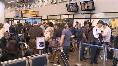 Reunião deve definir situação dos trabalhadores terceirizados do Aeroporto Hercílio Luz - Reunião deve definir situação dos trabalhadores terceirizados do Aeroporto Hercílio Luz