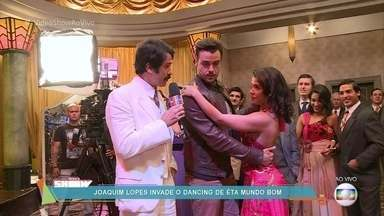 Taxi Girls dão dicas para Joaquim Lopes aprender a dançar - Otaviano Costa ri da falta de talento do colega de bancada para dançar e manda Joca aprender alguma coisa no dancing de 'Êta Mundo Bom!'