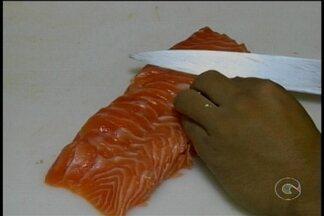 A comida japonesa tem feito o maior sucesso em Petrolina - Para muita gente comer sushi e sashimi é viciante.