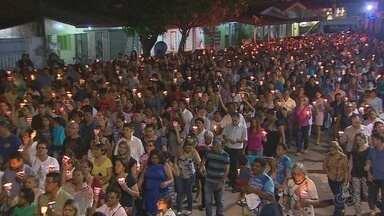 Procissão celebra no dia de Nossa Senhora de Fátima em Macapá - A programação católica, no dia de Nossa Senhora de Fátima, encerrou com a procissão das luzes. A celebração comemora os 90 anos da aparição de Nossa Senhora de Fátima.