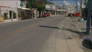 Duas pessoas ficam feridas em acidente no Distrito de São José da Mata - Segundo testemunhas, os dois motociclistas estavam em alta velocidade e sem capacete.