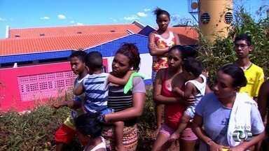 Moradores pedem por inaguração de creche que está pronta em Aparecida de Goiânia - Centro Municipal de Educação Infantil (CMEI) fica no Setor Retiro do Bosque.