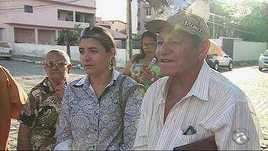 Pacientes reclamam da falta de medicamentos no Ceoc de Caruaru - Centro atende pessoas com câncer no município.