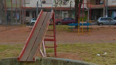 Menino de 10 anos morre após ser baleado enquanto brincava - Caso aconteceu na Vila Farrapos, em Porto Alegre.