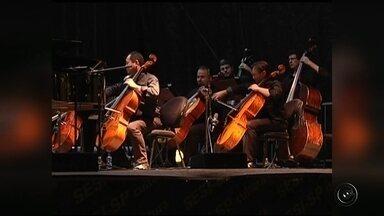 Concerto com Orquestra Bachiana Filarmônica se apresenta em Fernandópolis - Nesta segunda-feira (23) tem concerto da Orquestra Bachiana Filarmônica - com regência do maestro João Carlos Martins em Fernandópolis (SP). O público vai poder conferir composições famosas de Beethoven, Mozart e Bach.