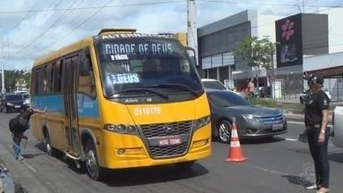 Detran-AM realiza fiscalização do transporte alternativo, em Manaus - Ação ocorreu na Zona Leste de Manaus.