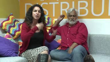 Rosane Svartman e Paulo Halm comentam os temas abordados em 'Totalmente Demais' - Autores falam sobre como decidem falar sobre assuntos importantes