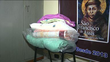 Campanha quer arrecadar agasalhos para pessoas carentes em Campina Grande - Veja como ajudar.
