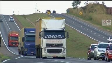 Rodovias que cortam Anápolis são as que mais registram roubo de cargas em Goiás - Caminhoneiros relatam que trabalham com medo de assaltos.
