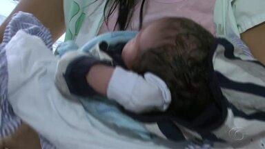 Campanha educativa orienta mães a usar bebê conforno nos carros - Ação tem como objetivo incetivar mães a usar o metódo adequado para transportar o bebê.