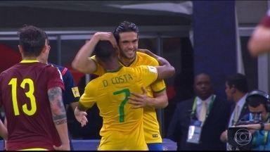 Kaká vai substituir Douglas Costa na Copa América - A seleção brasileira que se prepara para a Copa América, nos Estados Unidos, teve uma baixa: o atacante Douglas Costa foi cortado devido a uma lesão muscular na coxa esquerda.